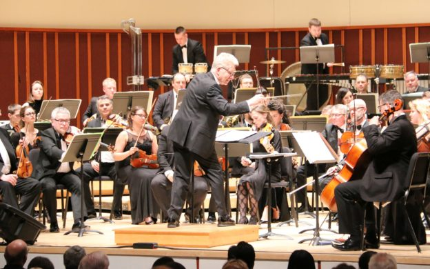 John Mauceri conducts the ČNSO at the Schwartz Center for Performing Arts