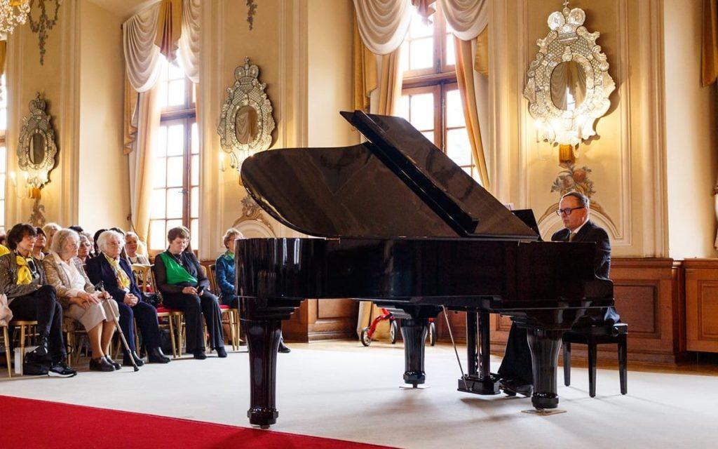 Pianist Giorgio Koukl in recital, 10 March 2019, Dobříš Castle, Hall of Mirrors, Dobříš, Czech Republic. (photo courtesy of Václav Tichý)