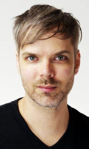 Pianist Tim Whitehead. (source: timwhiteheadpiano.com/)
