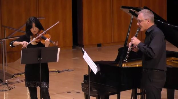 Helen Hwaya Kim and clarinetist Ted Gurch performungGenshiin 2017. (source: video still)