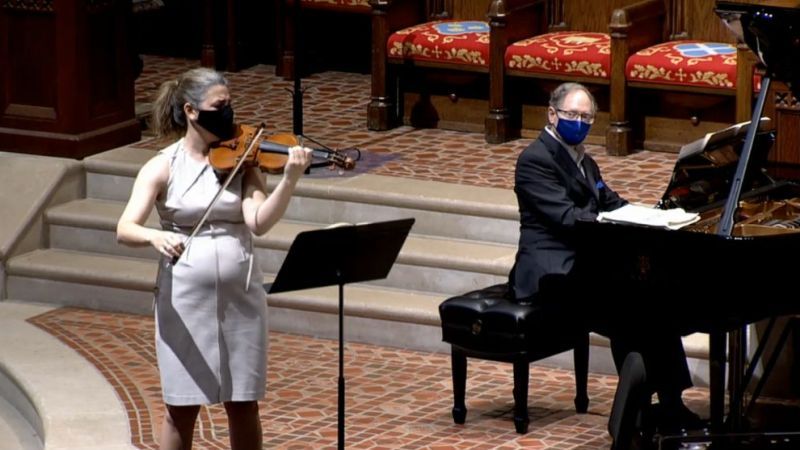 Violinist Amy Schwartz Moretti and pianist William Ransom. (source: video frame capture)