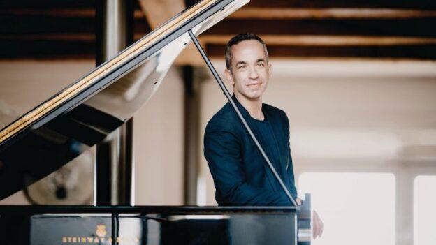 Pianist Inon Barnatan (courtesy of Spivey Hall)