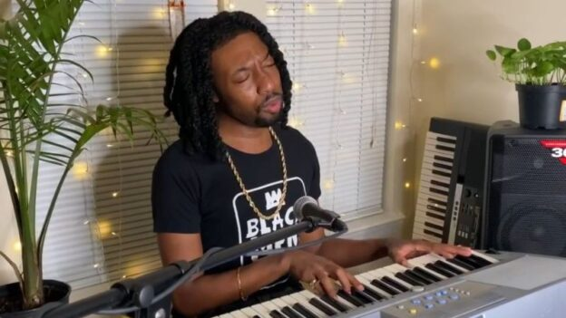 """Recording artist Keeyen Martin closed the show with Donny Hathaway's """"A Sing for You."""". (AMP TV)"""