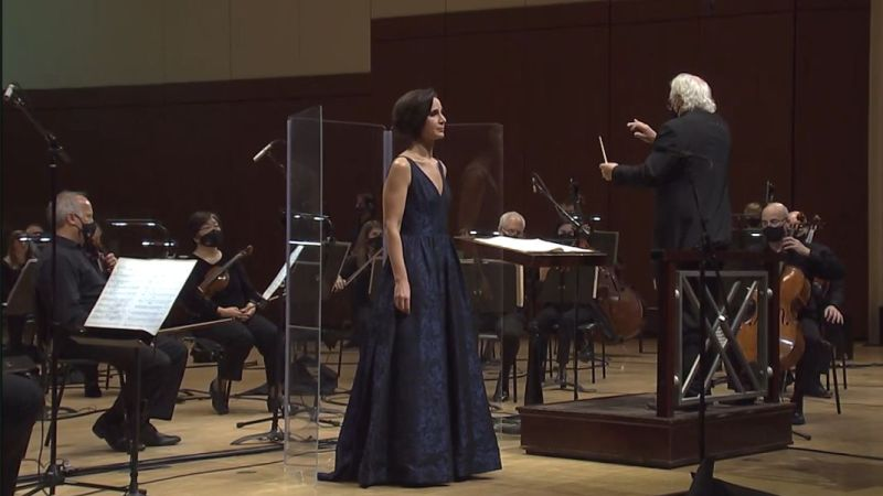 """Mezzo-soprano Kelley O'Connor, conductor Donald Runnicles and the ASO perform Wagner's """"Wesendonck Lieder"""" in a chamber orchestra version by Henze. (video frame capture /ASO)"""