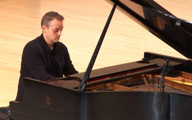 Pianist Robert Henry. (source: video stream capture)