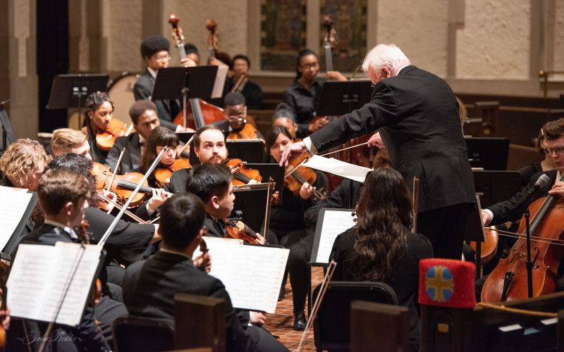 """Michael Palmer leads the the Georgia State University Orchestra in Thursday's concert at First Presbyterian Church of Atlanta. """" (credit: Julia Dokter)"""