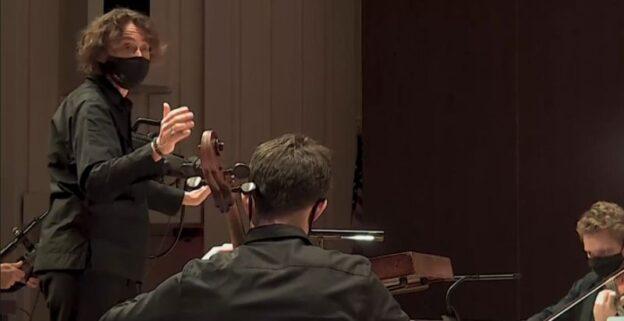 "Stutzmann leads the ASO in Wagner's ""Siegfried Idyll."" (vsc /ASO)"