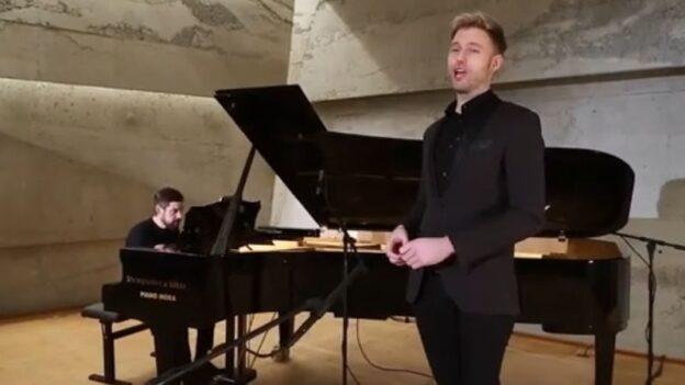 Benjamin Appl, baritone, in recital with pianist José Gallardo; streamed from Konzarthaus Blaibach