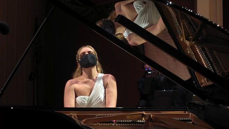 Julie Coucheron in a Mendelssohn moment.