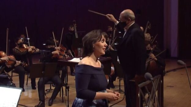 """Soprano Jessica Rivrea sings Samuel Barber's """"Knoxville: Summer of 1915"""" with the Atlanta Symphony Orchestra, led by Robert Spano in his final concert as the orchestra's music director. (ASO)"""