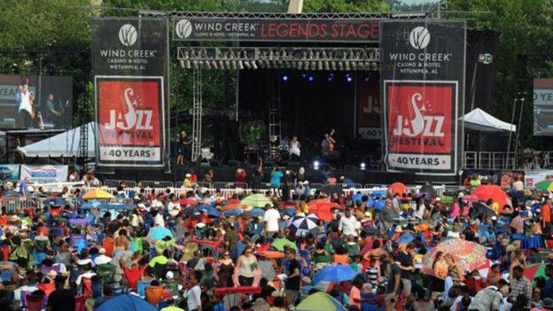 Crowds at the 2018 Atlanta Jazz Festival..